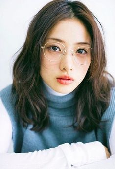 Gaze at gorgeous actresses, goddesses, sports stars and many other popular women from around the world! A tasteful community providing. Asian Woman, Asian Girl, Seoul, Satomi Ishihara, Cute Poses For Pictures, Eyewear Trends, Amai, Just Girl Things, Girls With Glasses