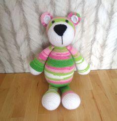 Bekijk dit items in mijn Etsy shop https://www.etsy.com/listing/264531455/crochet-bear-bram-beer-stip-en-haak