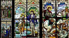 Szent László templom. Az üvegfestményeket Róth Miksa készítette