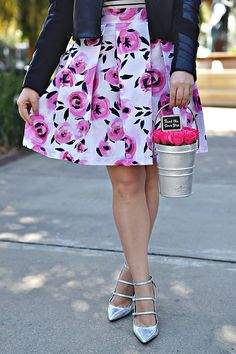 History In High Heels: Outfit: Coming up Roses - DIY Fabric & Skirt