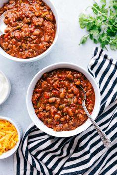 Best Crock Pot Vegetarian Chili Recipe Winner - Image Of Food Recipe Crock Pot Recipes, Healthy Crockpot Recipes, Easy Healthy Dinners, Chili Recipes, Slow Cooker Recipes, Pasta Recipes, Cooking Recipes, Dessert Recipes, Recipe Pasta