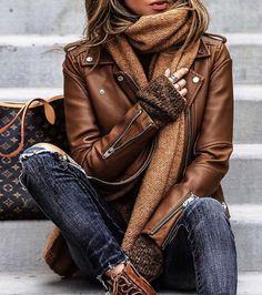 18 meilleures images du tableau Tenues avec veste en cuir   Leather ... 34171a60793