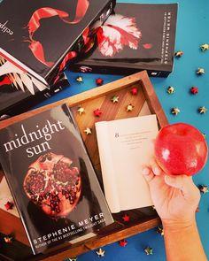 #bookreview #bookrecommendation #bookrecs #bookblog #bookblogger #booklovers #midnight #twilight #bookworm #read #bookstagram