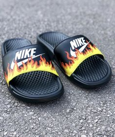 Birthday Gifts For Boyfriend Diy, Boyfriend Gifts, Nike Slides Mens, Nike Tennis Shoes, Hype Shoes, Fresh Shoes, Cute Sandals, New Hobbies, Slippers