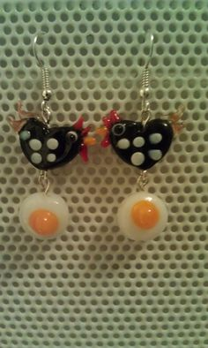 Chicken and egg cute country Lampwork glass bead by ChizumDesigns, $1.99
