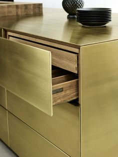 sola-kitchens-multiform-form-45-brass-min