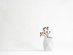 vase SNUG.VASE low / white van SNUG.STUDIO op DaWanda.com
