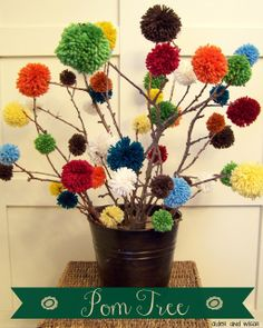 """Pom"" Trees {a free centerpiece idea} 