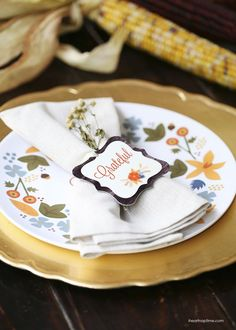Free printable designs for Thanksgiving + A $200 gift card up for grabs from Shutterfly! iheartnaptime.com