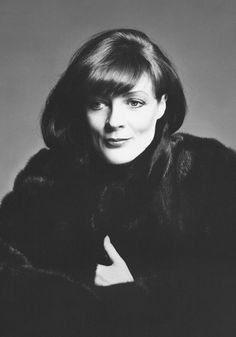 Blackglama campaign Maggie Smith by Richard Avedon Hollywood Glamour, Hollywood Stars, Old Hollywood, Robert Mapplethorpe, Annie Leibovitz, Richard Avedon, Bert Stern, Jeanne Moreau, Actrices Hollywood