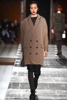 Julien David Fall 2015 Ready-to-Wear Collection Photos - Vogue Catwalk Fashion, Fashion Show, Fashion Design, Vest Coat, Bomber Jacket, Julien David, Fall 2015, Ready To Wear, Vogue