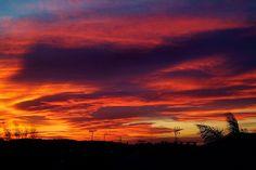 Red sky at night @LostinArles #Provence #Mistral