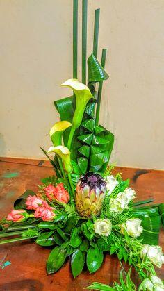 Contemporary Flower Arrangements, Tropical Flower Arrangements, Beautiful Flower Arrangements, Most Beautiful Flowers, All Flowers, Tropical Flowers, My Flower, Flamingo Party, Funeral Flowers