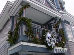 Mackinac Island, Michigan-HGTV Flint Michigan, Michigan Usa, Lake Michigan, Christmas Town, Christmas Ideas, Breakfast On The Beach, Big Sea, Lake Lure, Big Lake