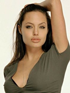 "le-jolie: """"Angelina Jolie photographed by Firooz Zahedi - 2001 "" "" Angelina Jolie Makeup, Angelina Jolie Photos, Jolie Pitt, Le Jolie, Tomb Raider Angelina Jolie, Foto Art, Hollywood Actresses, Beautiful Actresses, Hair Beauty"