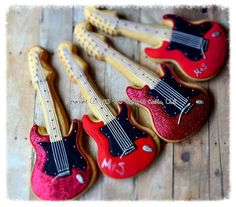 Guitar decorated musical cookies - no…they don't play music but I'm sure they hit the right note…groan