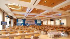 """Evento Anemia Renal Team Congress. 2007 General del evento, con plasmas de 50"""" a ambos lados, y trípodes de luces"""