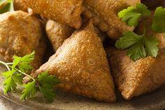Receta de Samosas Empanadillas de Patata de la India Samosas, Empanadas, India Food, Sin Gluten, Sweet Potato, Potatoes, Vegetables, Recipes, Star