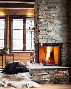 Living Room with Fireplace That Will Warm your Home Cosy Fireplace, Living Room With Fireplace, Fireplace Design, Chalet Interior, Interior And Exterior, Building A Cabin, European Home Decor, Cabins And Cottages, Log Homes