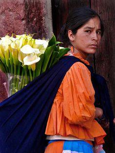 Fotos de la semana: Vendedora de alcatraces, San Miguel de Allende, Guanajuato | México Desconocido