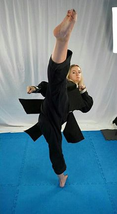 The Effective Pictures We Offer You About Martial Arts Women judo A quality picture can tell you man Martial Arts Styles, Martial Arts Techniques, Martial Arts Women, Kung Fu Martial Arts, Mixed Martial Arts, Taekwondo, Artiste Martial, Mma, Sport