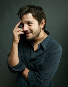 Diego Luna (born December 29, 1979) is a Mexican actor known for his childhood telenovela work, a starring role in the film Y tu mam tambin, and supporting roles in American films. Description from bipamerica.com. I searched for this on bing.com/images