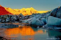 Svínafellsjökull glacier in Vatnajökull National Park, Iceland