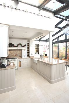 Contemporary Conservatory Ideas: Open Plan Extension for the Home, Manchester, England - Adelto