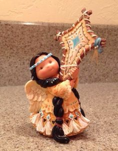 """FRIENDS OF THE FEATHER """"LITTLE SHINING STAR"""" 285145 AMERICAN INDIAN GIRL  EUC"""