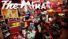 Méga Vente De Liquidation chez KitschÀ l'Os...ou pas Montreal Ville, Canada, Le Site, Us Shop, Boutique, Retro Vintage, Boutiques