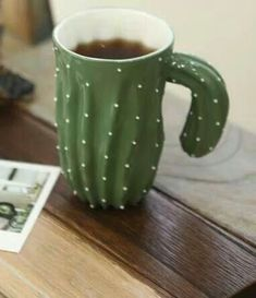 Cactus mug. Love this kind of humour. with a flower tea strainer? Cute Cups, Mug Cup, Ceramic Pottery, Ceramic Cups, Coffee Cups, Tea Pots, Sweet Home, Potpourri, Clay