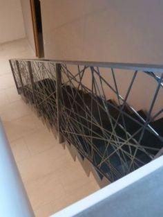Escaliers droit ZIG-ZAG et garde-corps MIKADO