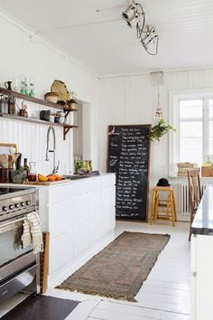 The kitchen is among the spaces we make use of usually in the house. For that reason we need to design it to the maximum. One excellent kitchen design is rustic Scandinavian kitchen design. Home, Home Kitchens, Scandinavian Home, Kitchen Remodel, Kitchen Design, Kitchen Inspirations, Kitchen Wall Decor, House Interior, Scandinavian Kitchen Design