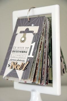 Calendario dell'avvento by Magali. Reminded me of a Rolodex.