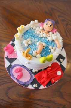 I made this cake for a lady who loves to soak in the bath and be pampered, I think I captured her essence:-).