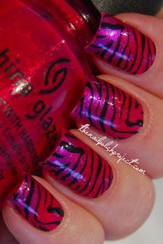 Gradient Tiger Stripe Manicure