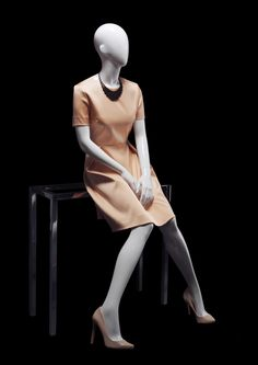 SMOOTH Collection by More Mannequins #FemaleMannequin #COS #fashion