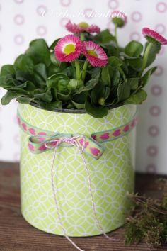 Frühlingsblumentopf aus Konservendose / Spring flower pot made of tin can / Upcycling