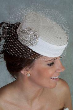 Vintage style Pillbox hat, Bridal Hat, Bridal Veil, Wedding veil, wedding Pilbox hat on Etsy, $248.71