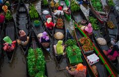 Morning activity, Lok Baintain floating market in Indonesia