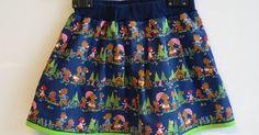 """Zoals beloofd hierbij foto's van het afgewerkte rokje met """"Goudlokje en de 3 beertjes"""" en natuurlijk een handleiding voor dit eenvoudig te m... Vintage Kids Clothes, Sewing Kids Clothes, Diy Clothes, Sewing Patterns For Kids, Sewing For Kids, Baby Sewing, Pattern Sewing, Laura Lee, Toddler Skirt"""