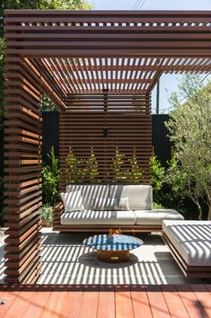 50 Beautiful Pergola Design Ideas For Your Backyard - Gardenholic Pergola Patio, Veranda Pergola, Wood Pergola, Pergola Shade, Backyard Patio, Backyard Landscaping, Gazebo, Modern Pergola, Modern Patio Design