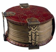 """Codex Rotundus"", a book of hours of 9 cm in diameter, composed in 1480 in Bruges. Library of the Cathedral of Hildesheim, Germany"