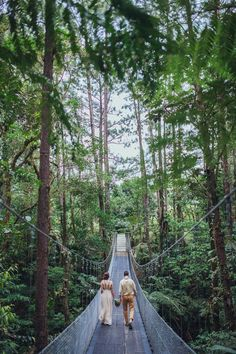 Tropical Elopement in Costa Rica     Photo by Costa Vida Photography