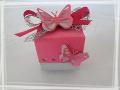 Boîte à dragées papillon baptême carrée fuchsia : Autres bébé par laetiline