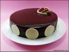 Tarta Espejo de Chocolate (Mousse de Chocolate con un toque de frambuesa y cobertura de chocolate espejo)