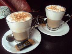 Café del Soul en Madrid: Copa, comida y café en asientos a lo Gaudí (4/10) | DolceCity.com