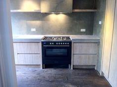 Robuuste oud eiken keuken met betonblad by Natural-living.