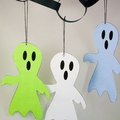 Punch a hole in the top of the ghost and thread a string through. Spooky Halloween Crafts, Halloween Templates, Halloween Activities For Kids, Halloween Party Decor, Holidays Halloween, Halloween Kids, Jack Skellington Drawing, Halloween Coloring, Hobbies And Crafts