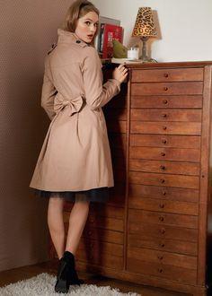 girly trenchcoat  http://www.laredoute.gr/MADEMOISELLE-R-Kamparntina_p-255425.aspx?prId=324413043